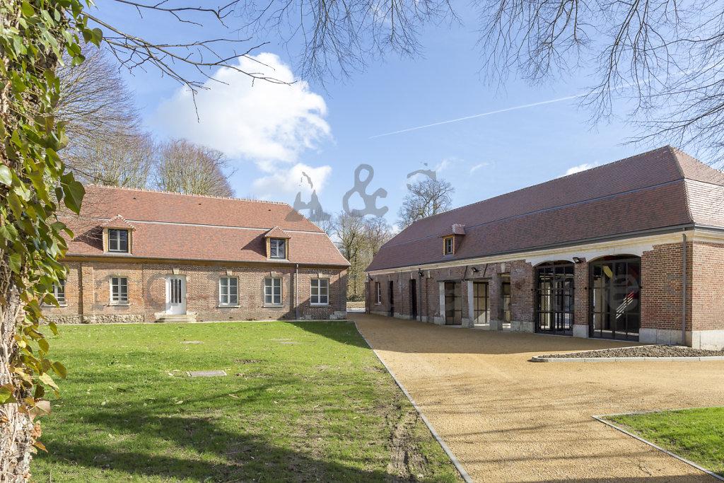 Halle-publique-Jardin-Centre-Bourg-Tourny-web-170302-010.jpg