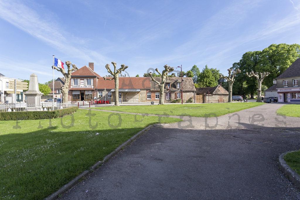 Halle-publique-Jardin-Centre-Bourg-Tourny-web-170517-005.jpg